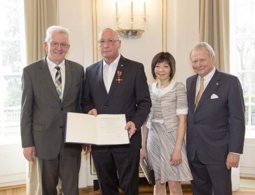 Uwe Hück erhält das Bundesverdienstkreuz am Bande