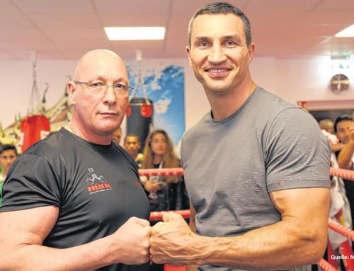 Wladimir Klitschko zu Besuch in der Lernstiftung Hück
